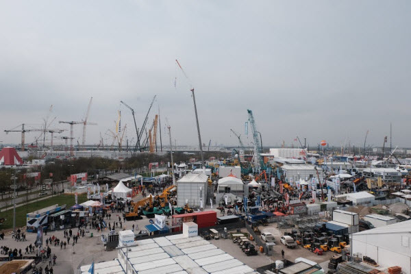 Cranes at Bauma 2019 seen from the Selfie Tower