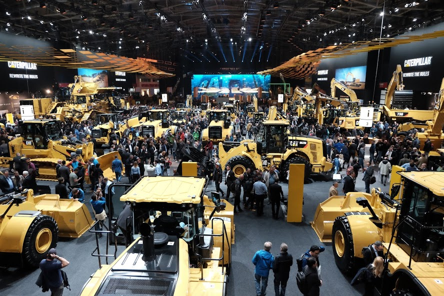 Overview of the Caterpillar hall at Bauma 2019